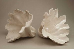 בניית יד | פורצלן ופייפרקליי | עינת כהן | Handbuilding | Porcelain and paperclay | Einat Cohen